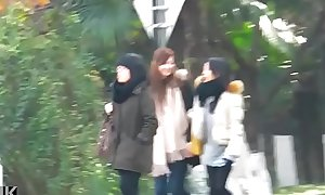 Metro Chinese pissing in toilet many girls piss for hidden camera