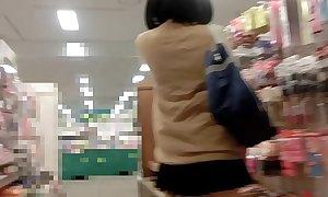 Flagrando a japinha escondido www.zapnovinhas.com