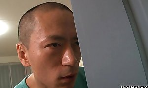 Asian making reverence addict toy bonks in be transferred to shower