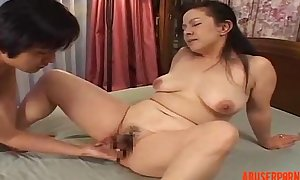 Mature Oriental Lady Fingered with the addition of Licked, Porn 3b - abuserporn.com