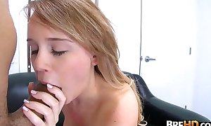 Innovative latitudinarian Alexis Addams stops by fro see supposing that babe wants fro have a go porn 2.3